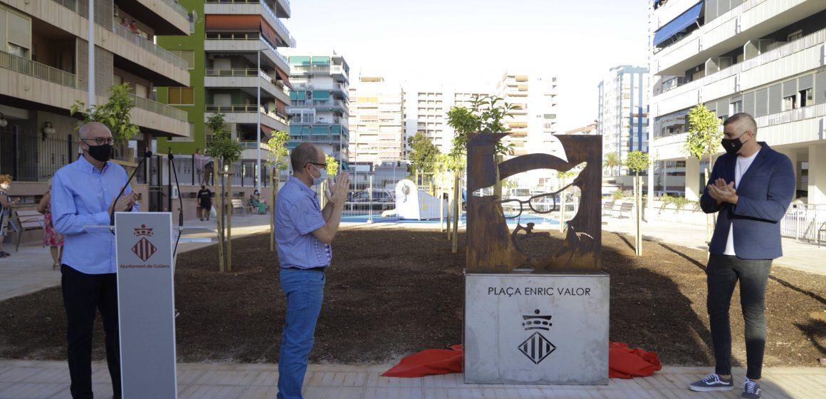 Cullera enaltix la figura d'Enric Valor amb un monolit homenatge