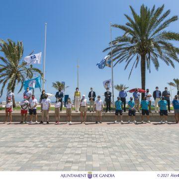 La platja de Gandia es consolida com a referent en qualitat, salut, seguretat i sostenibilitat amb la hissada de 9 banderes