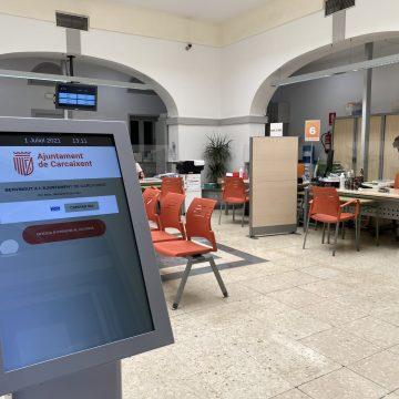 Carcaixent habilita un servei de cita prèvia per a la OAC