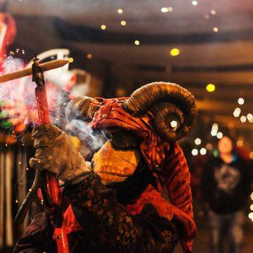 L'espectacle «Theos Foc» arriba a la Font d'En Carròs