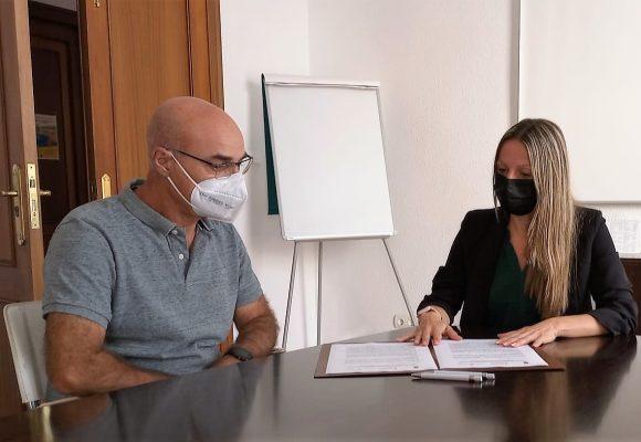 L'Ajuntament d'Oliva i el IES Gabriel Císcar signen un conveni per treballar en contra de l'absentisme escolar