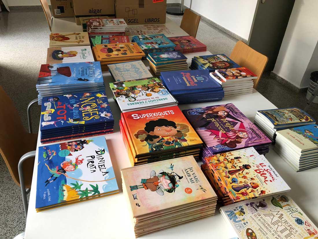 Xàtiva presenta una guia de lectures que fomenta l'educació en igualtat dels xiquets i les xiquetes